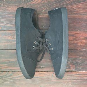 Black on black men's canvas Toms sneakers 11.5